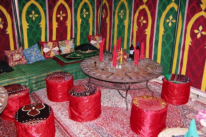 Location tente caidale marocaine frejus d coration orientale for Decoration mille et une nuit